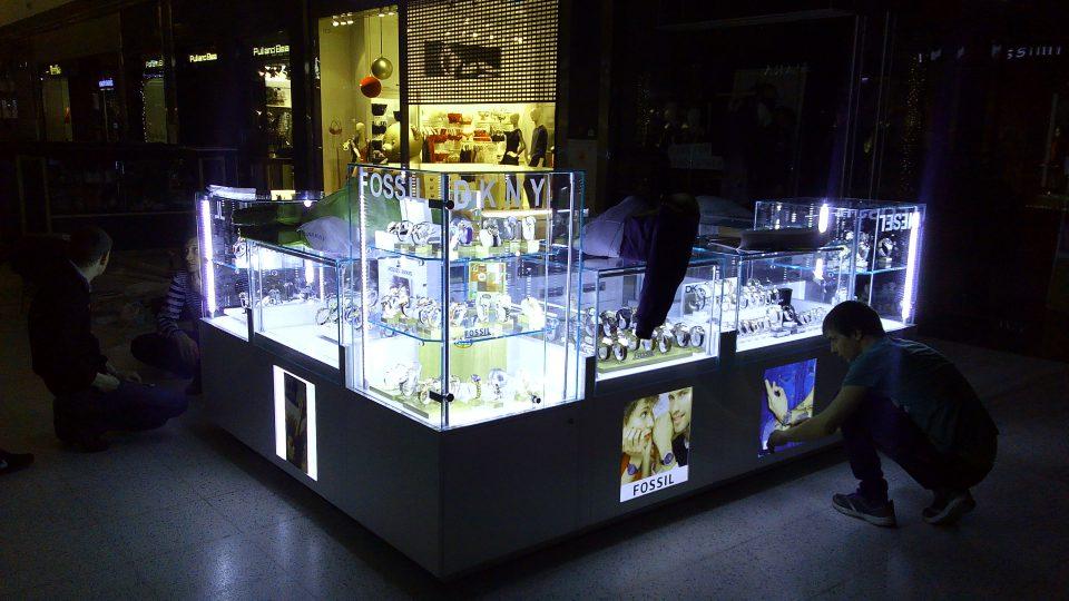 Островной модуль магазина часов